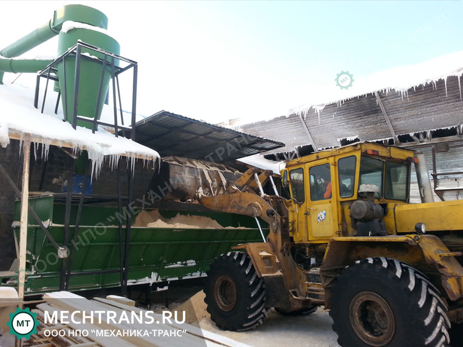 Транспортер приемный на элеватор привезли 4 720 ц пшеницы